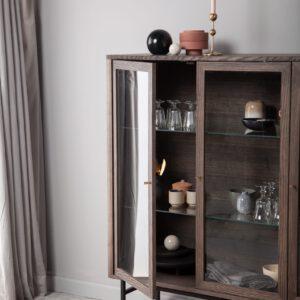 Kristensen & Kristensen vitrineskab Velvet - Aisen møbler