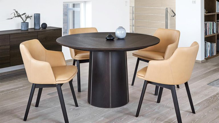 Skovby spisebord 33 mørk - Aisen møbler